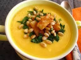 Суп из тыквы с кедровыми орешками и пармезаном