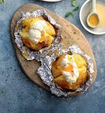 Печеный картофель с яйцом-пашот