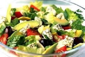 Салат с бужениной и авокадо