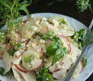 Летний салат с репой/дайконом, редисом, огурцом и кукурузой
