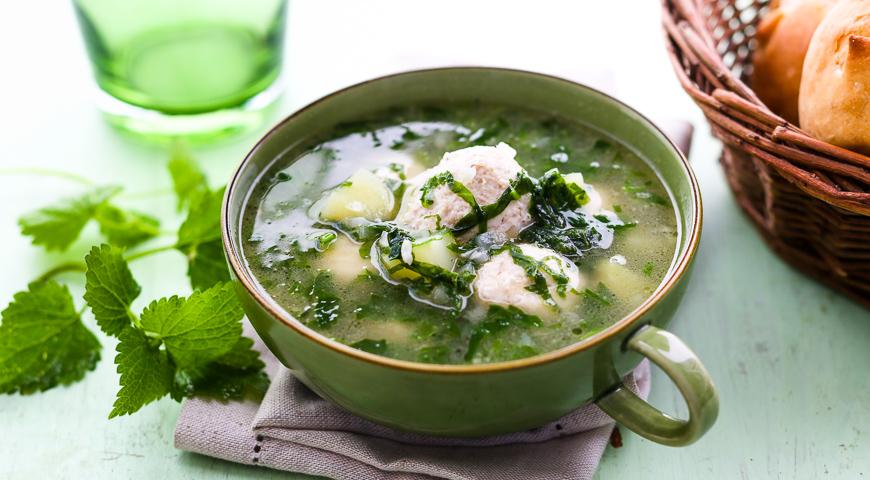 Суп из крапивы с фрикадельками