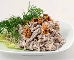Салат из языка с орехами