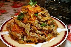Салат из отварной говядины с медовой заправкой