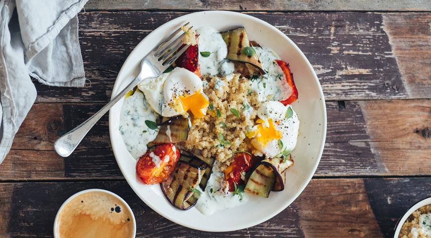 Летние яйца по-турецки