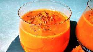 Морковный смузи с яблоком и апельсином
