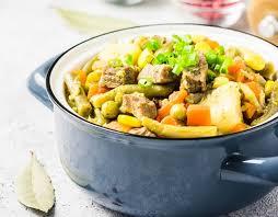 Рагу из индейки с фасолью и овощами