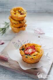 Творожные булочки с чесноком и базиликом