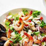 Салат с морским коктейлем за 5 минут
