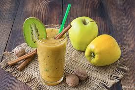 Яблочно-банановый смузи с зелёным чаем