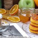 Сырники с морковью и пряным цитрусовым соусом с апельсинами и кумкватами