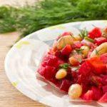 Салат из фасоли с яблоками