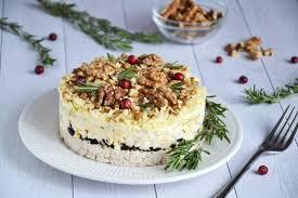 Салат «Эгоист» с грецкими орехами и сыром