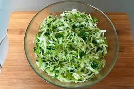 Салат из пекинской капусты с огурцами