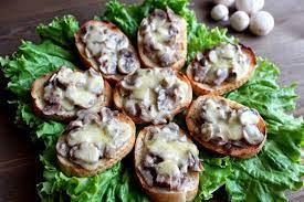 Бутерброды с шампиньонами и сыром