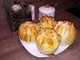 Яблоки в тесте, запеченные в духовке