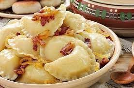Вареники с картошкой, грибами и жареным луком